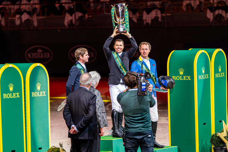 Kent Farrington is victorious. Darrah Kenny is 2nd, and Christian Ahlmann is 3rd at CHI Geneva 2019