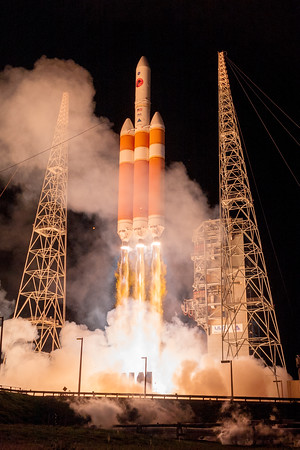 Delta IV Heavy launching Parker Solar Probe to the Sun.