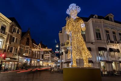Lichtobject 'Scrooge' op de hoek Keizerstraat/Korte B.