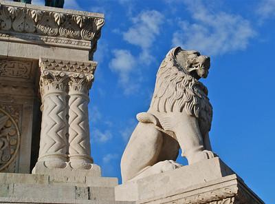 Budapest lion statue