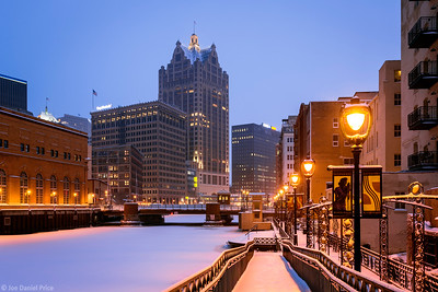 Downtown, Milwaukee River, Milwaukee, America