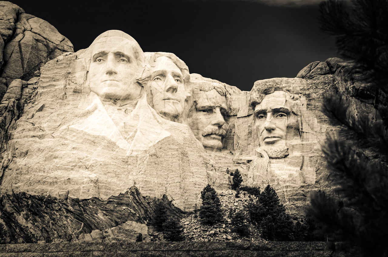 Black & White of presidents at Mount Rushmore