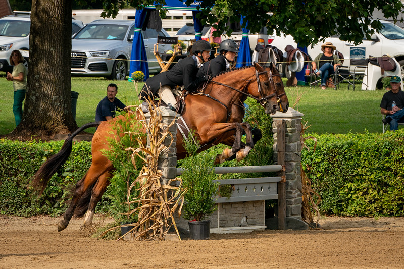 Hunt Pairs at the Warrenton Horse Show Hunt Night September 2019 : Pam Cibula and Fine Art, with Elizabeth Rock aboard Sally Lamb's Newsroom, won the pairs class