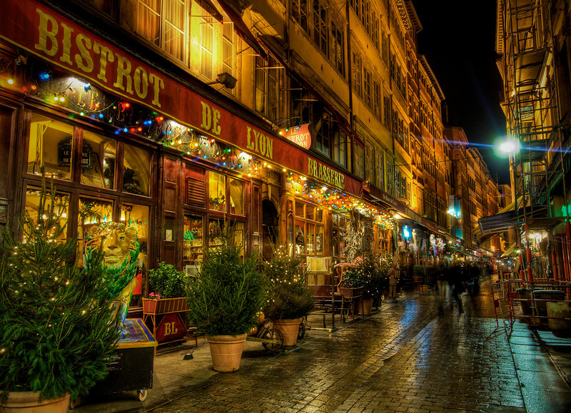 """<h2>Bistrot de Lyon</h2> <br/>I went out to dinner with a bunch of cool Russians after the conference on Tuesday. We went down one of the most popular streets in Lyon to have some seafood. Afterwards, the founder of this other company and I went out to shoot photos.. I think we walked the streets for about 3 hours until 2 AM. It was a big mistake since my flight left early the next morning! Although, it is better than going out drinking with the Russians… <br/><br/>- Trey Ratcliff<br/><br/><a href=""""http://www.stuckincustoms.com/2007/12/08/bistrot-de-lyon/"""" rel=""""nofollow"""">Click here to read the rest of this post at the Stuck in Customs blog.</a>"""