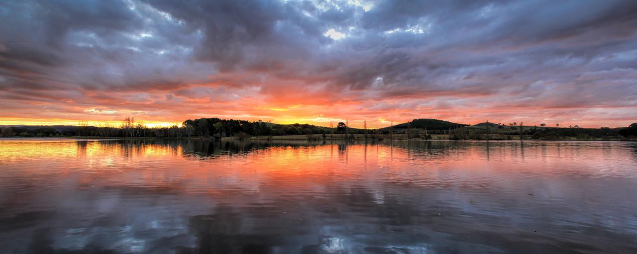 Burley Griffin Sunset Stunner