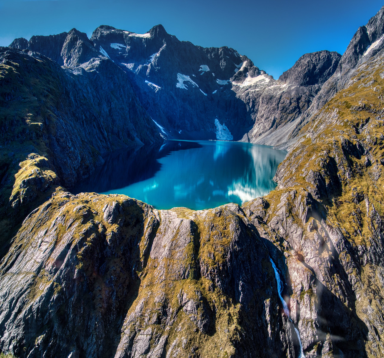New Zealand Hidden Lake