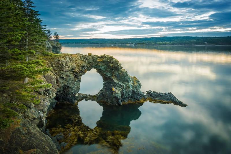 Hole In the Wall Rock (New Brunswick)