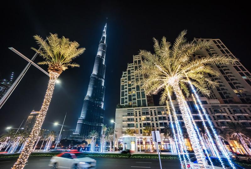 Nightwalk around the Burj Khalifa