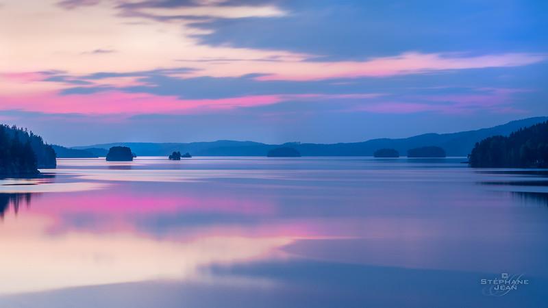 Blue hour over lake Lelång