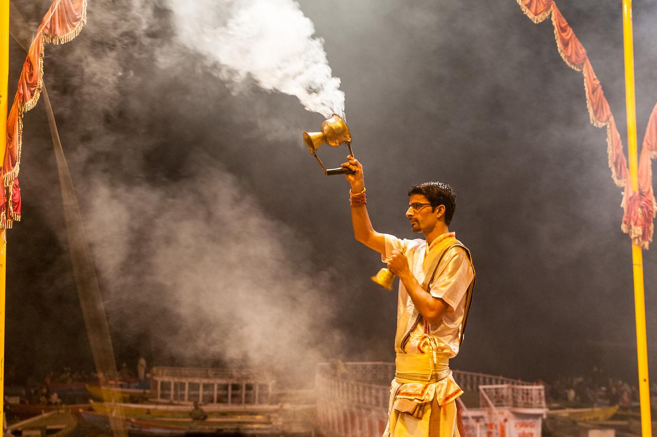 Ganga Aarti ceremony, Dasaswamedh Ghat