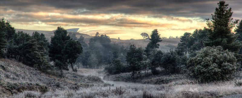 A frosty morning near over the Molonglo River, Canberra