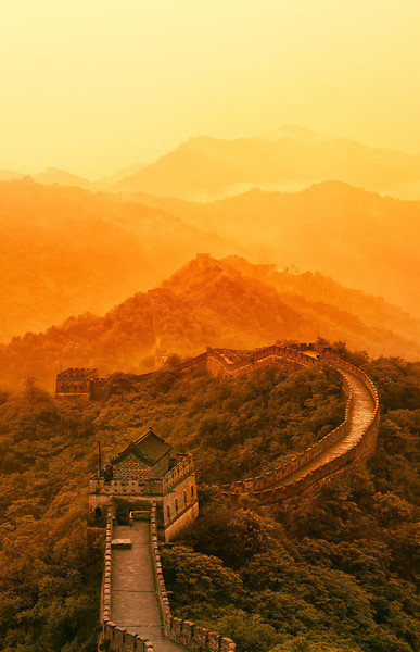 Hiking Through 14 Towers Along The Great Wall