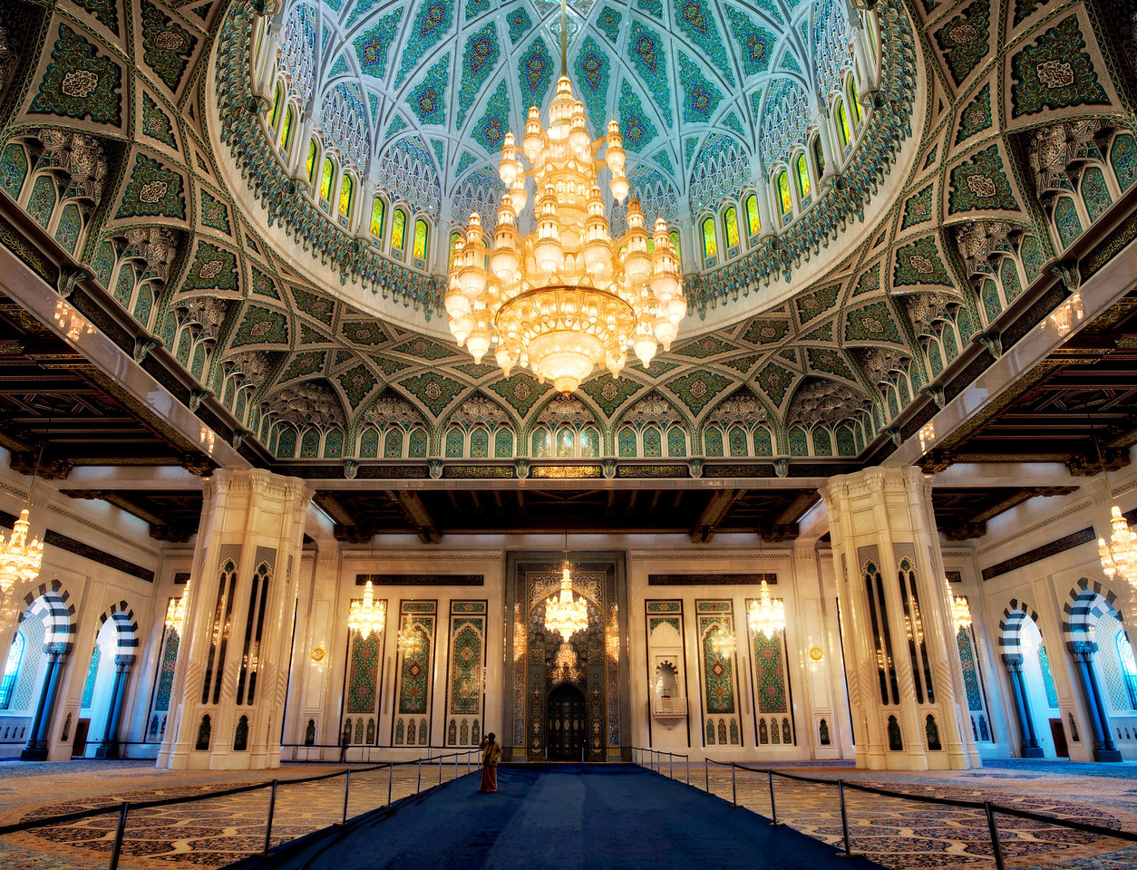 The incredible interior of the Grand Mosque