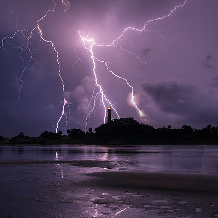 Incredible lightning over the Jupiter Lighthouse