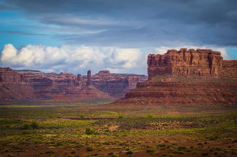 Travel_Photography_Blog_Utah_Valley_of_the_Gods_Morning