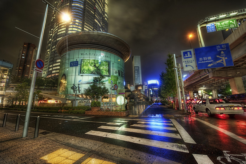 Approaching Roppongi on Foot On my last night in Japan, I was feeling restless.  It sometimes comes at the end of the trip, when I feel like I just haven't taken enough photos.  Of course, that's never the case, since I usually have thousands in the hopper by that point.  But when I know that the city is full of life, I just have to get out there and capture a bit of it.  - Trey Ratcliff Read the rest here.  There's also a relink of an interview with Ron Martinsen.