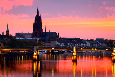Dramatic Sunrise, Frankfurt Cathedral, River Main, Eiserner Steg, Frankfurt, Hessen, Germany