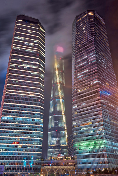 Shanghai around Midnight