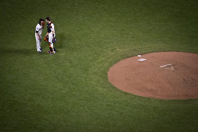 San Francisco Giants defeat the Detroit Tigers 8-3 in Game 1 of the 2012 World Series