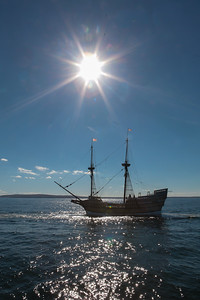 Mayflower II Departs