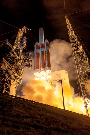 Delta IV Heavy launching Parker Solar Probe to the Sun.