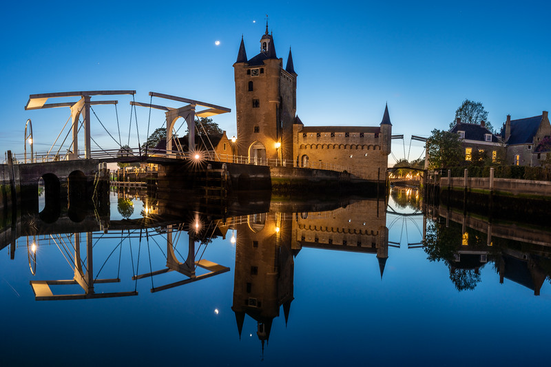 Venus and the crescent moon above picture perfect Zierikzee