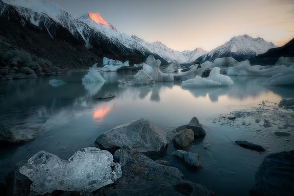 Frozen Dawn    Lake Tasman