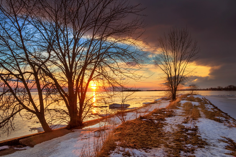 Colorful Winter Sunset at Saint Lawrence River (Montreal)