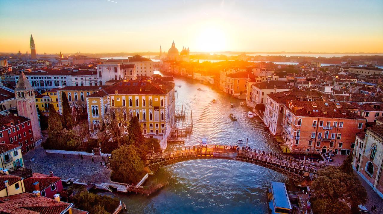 Ponte Dell'Accademia At Sunrise