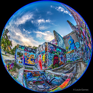 Graffiti Park Snow-Globe