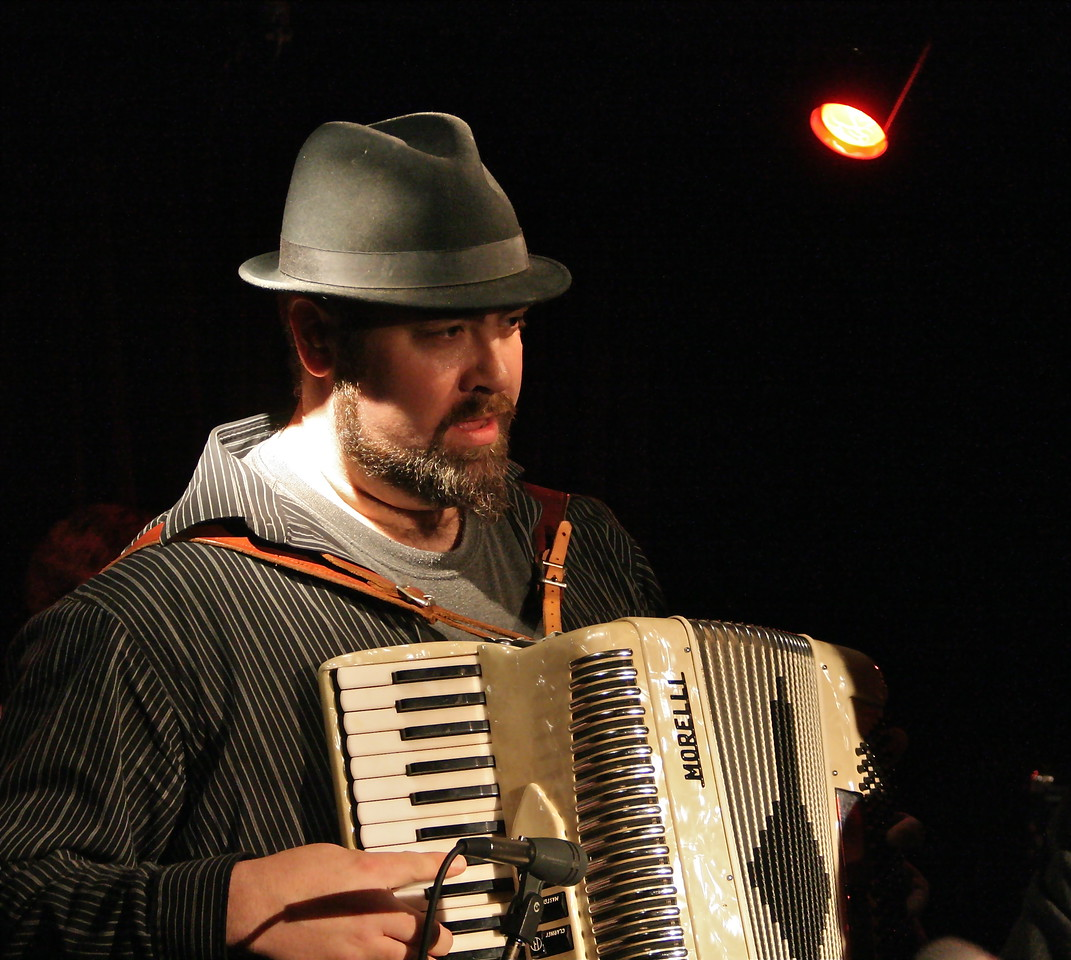 Accordianly