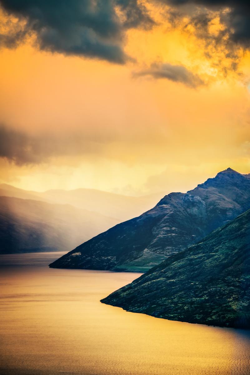 Lake Wakatipu in the Late Sun