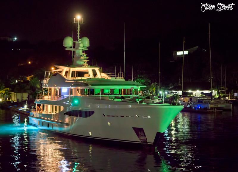 Luxurious Sailing
