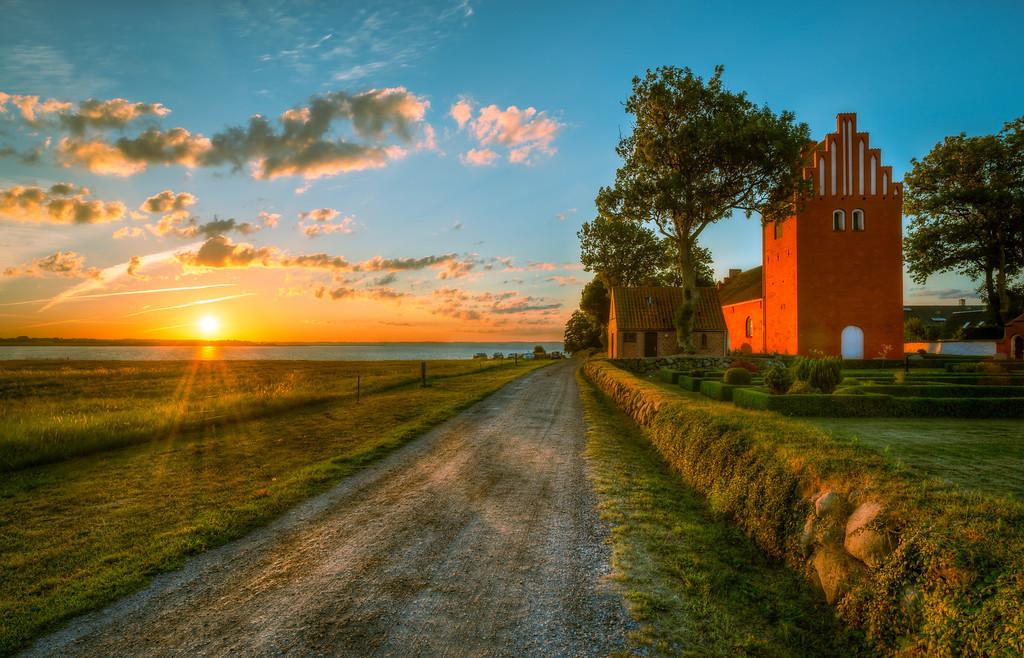 Road to Water by Gershoej Church
