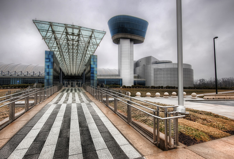 """<h2>Landing in the Air & Space Museum</h2> <br/>I love this place!  This was about the only place I was allowed to use my tripod (on the outside), so I spent a bit of time hunting about for best ways to capture the amazing building.<br/><br/> - Trey Ratcliff <br/><br/>Read the rest of this entry (and some tips for taking handheld shots) <a href=""""http://www.stuckincustoms.com/2010/06/26/air-space-museum/"""">here.</a>"""