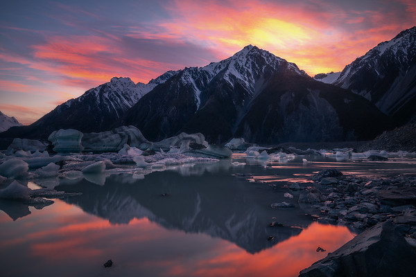 Melting Reflections || Tasman Lake