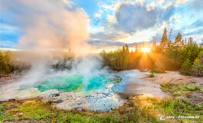 Geyser Ao Pôr Do Sol