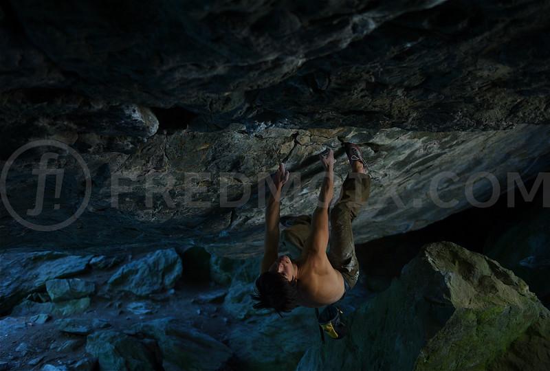 Jon Cardwell<br /> Underground Paradise 8B+<br /> Barme de la fée d'Aron<br /> Fionnay<br /> Switzerland<br /> © fred! fredmoix.com