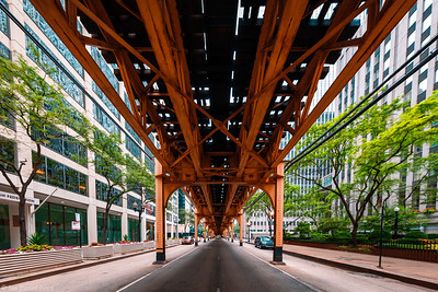 Under the tracks, Chicago, Illinois, America