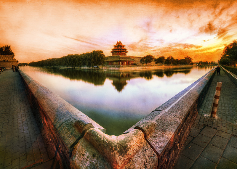 """<h2>Forbidden Corner</h2> Two of the corners around the moat around the Forbidden City are exactly the same.  The only difference is the direction they face.  And, with bad luck, I started on the <em>wrong</em> corner, so that meant a not-so-short-runwalk to the other corner, and that is no small feat with something this huge. But, in terms of a long walk, at least there is something beautiful to look at along the way.  - Trey Ratcliff  Read more <a href=""""http://www.stuckincustoms.com/2011/07/21/forbidden-corner/"""">here</a> at the Stuck in Customs blog."""