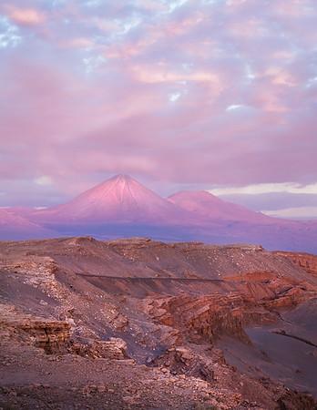 Sunset across Valle de la Luna