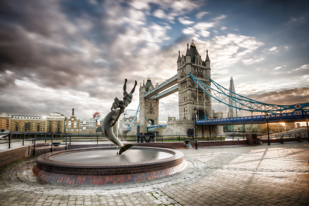 Dolphin and the London Tower Bridge