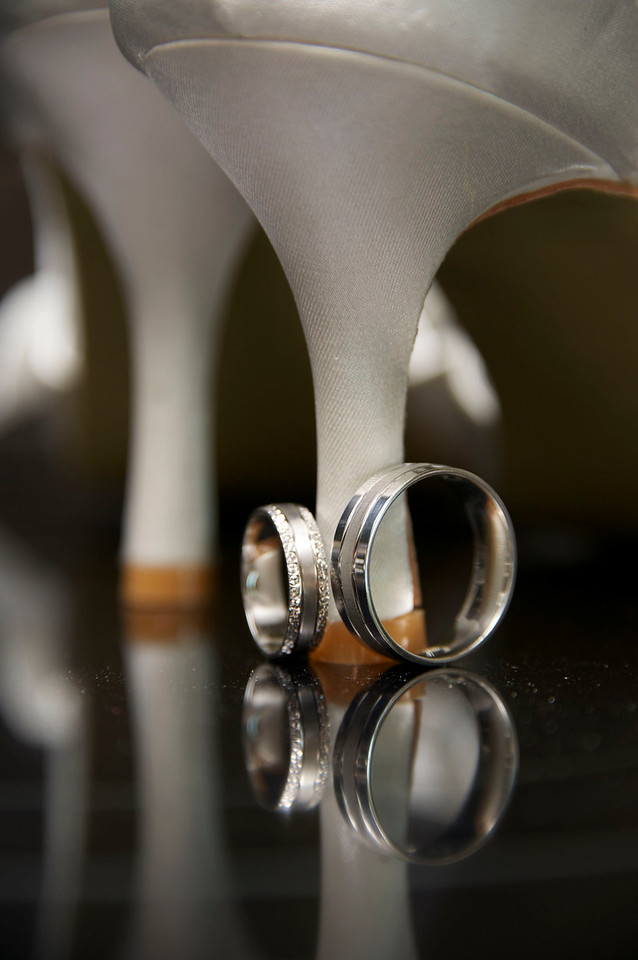 Wedding rings photographed by Northampton photographer