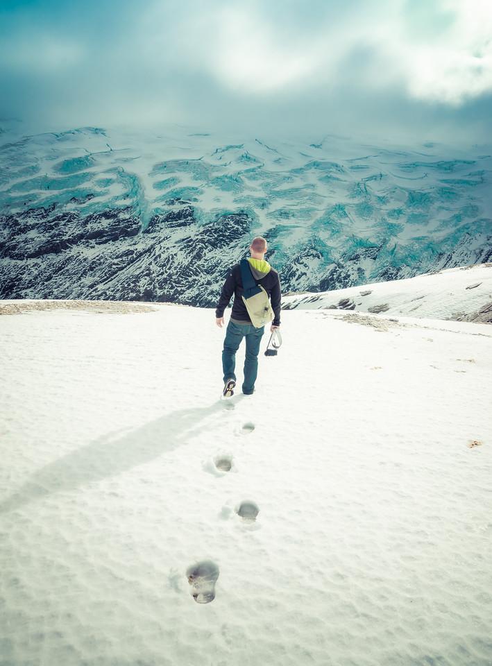 Walking to Glacier Isobel