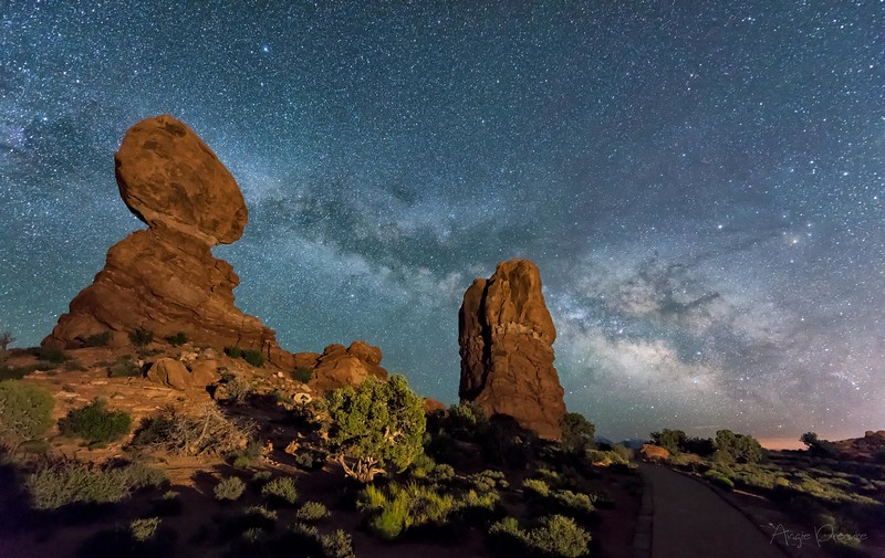 Balanced Rock Milkyway