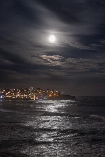 Night Sky Full Moon North Bondi