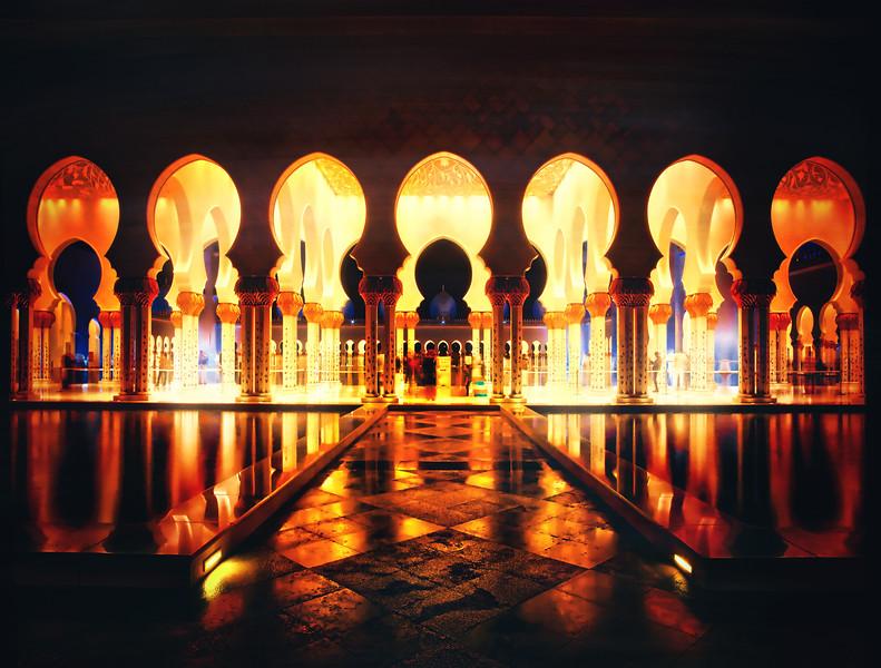 Night Falls On The Palace