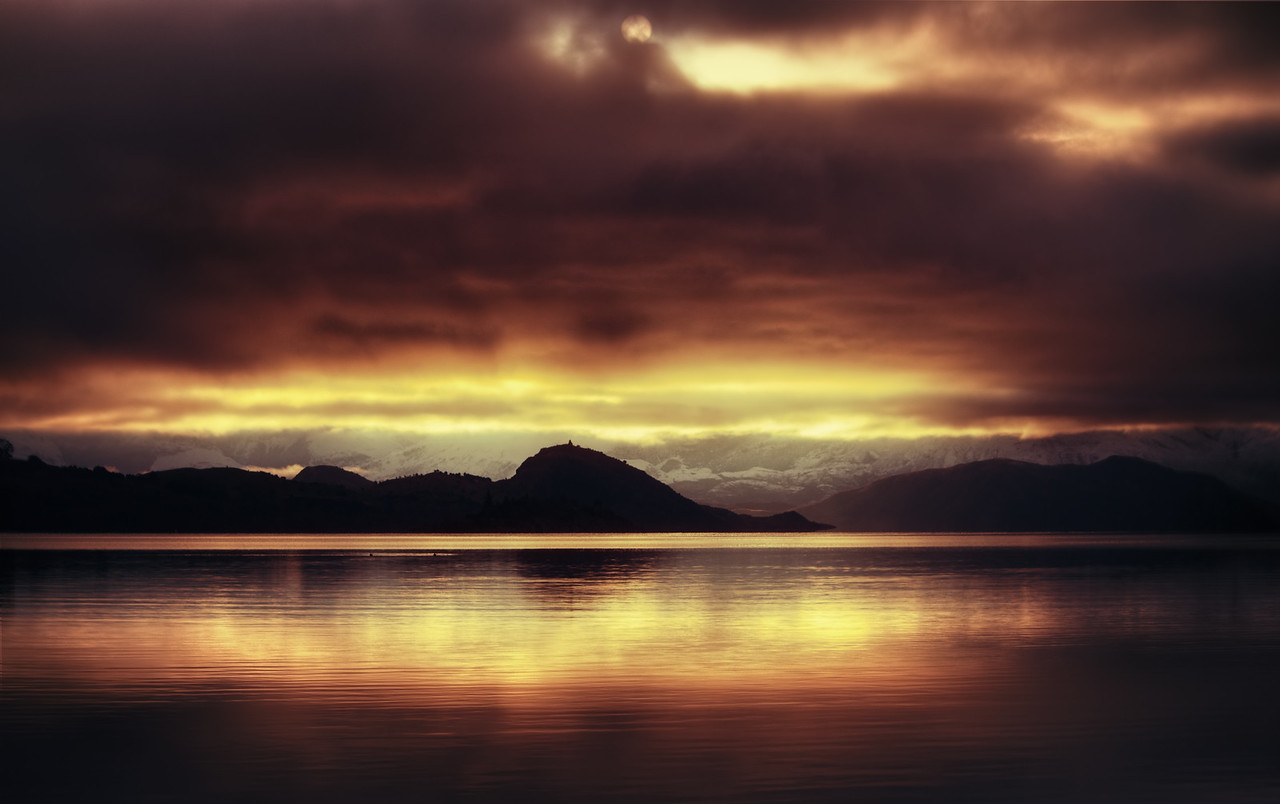Lake Wanaka Silhouette