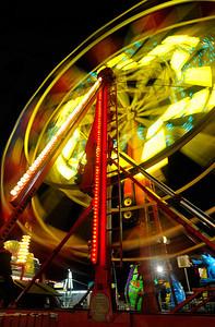 Ferris wheel, 1 second exposure