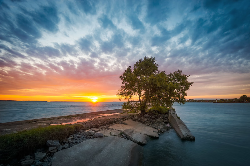 Travel_Photography_Blog_Canda_Montreal_Autumn_Sunset_at_the_River